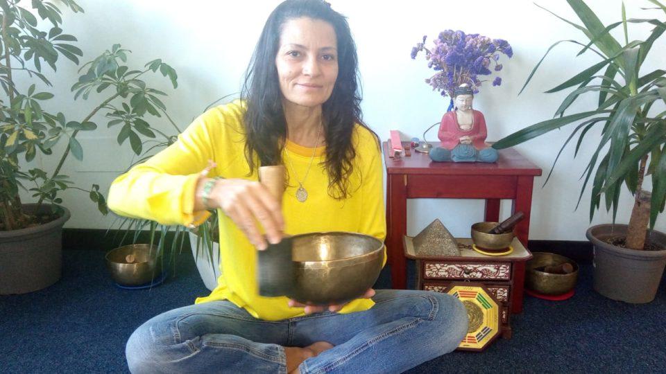 Isabel Soares Teixeira Insegnante Hatha Yoga Campane Tibetane e Meditazione - Saggezza dell'Anima Milano Yoga e Taoismo