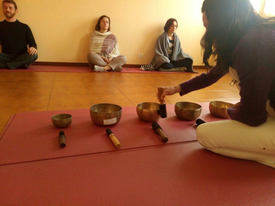 Sessione di Gruppo di Campane Tibetane - Saggezza dell'Anima Milano Yoga Taoismo e Meditazione